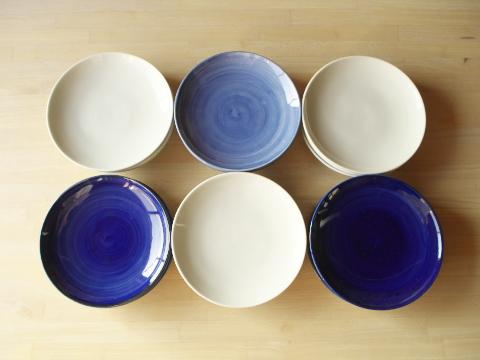 呉須まき平皿 白磁平皿 6寸 径18㎝ 高さ3㎝ 1,490円