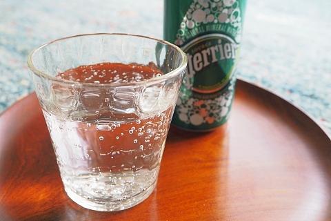 網目コップ:石川昌浩 桜の八寸皿:奥の麻衣子